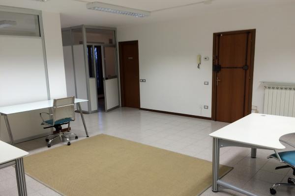 Capannoni affitto affitto vendita capannoni uffici for Uffici in affitto roma privati